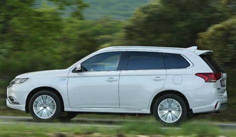 2020 Mitsubishi Outlander by 2020 Mitsubishi Outlander Phev Release Date Price Engine