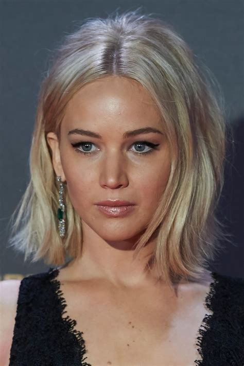 jennifer lawrence hair colors for two toned pixie 25 best ideas about jennifer lawrence short hair on