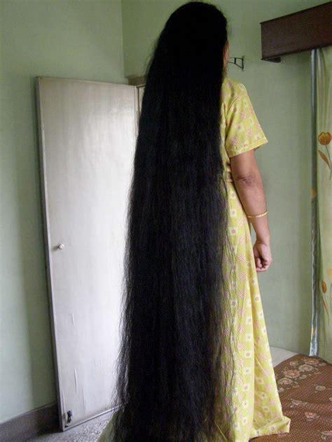 model  floor length hair