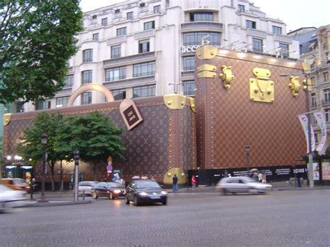 Louise Vuitton Parris louis vuitton store r e t a i l store