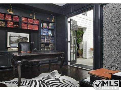 kourtney s bold decor attracts buyer zillow