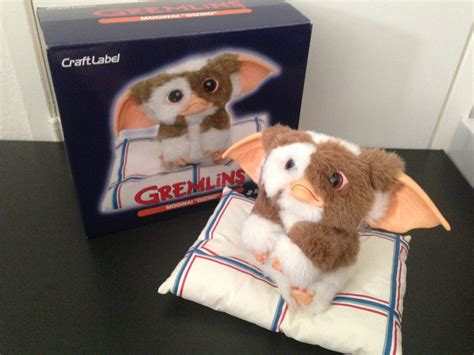fs jun planning craft label gremlins gizmo with pillow