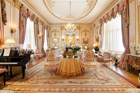 gold room nyc joan rivers new york apartment where antoinette would lived if she had the money