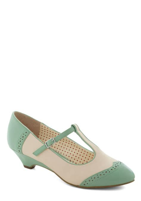 care to wedge in mint mod retro vintage heels