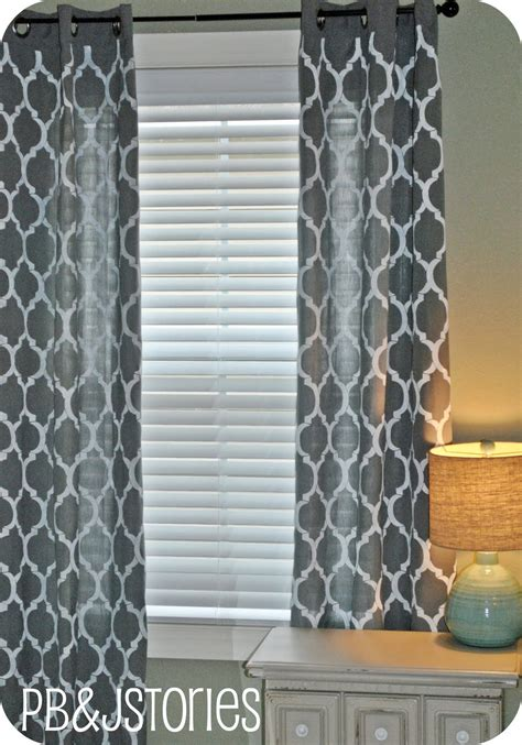 paint your own curtains remodelaholic 45 diy painted curtain styles