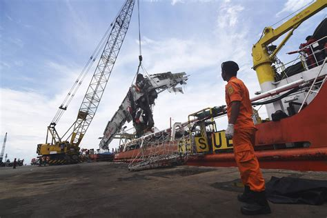 airasia near me airasia crash indonesia to end search for 56 bodies still