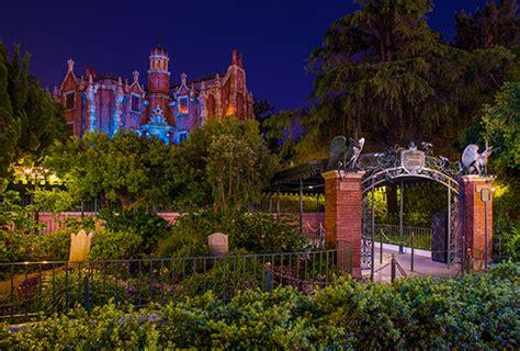 the sights of haunted mansion holiday at disneyland the october 171 2013 171 disney parks blog