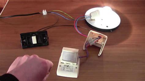 lade con rilevatore di presenza cablaggio e funzionamento di un sensore di movimento a