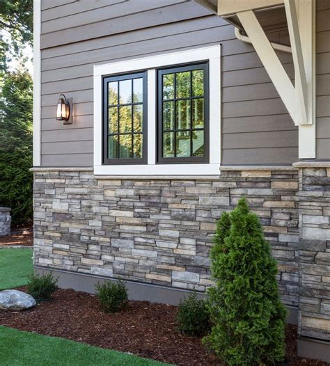Ranch Style Trim Ranch Style House With Siding And Stacked Stone Google