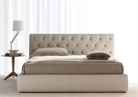 divani e somie letto in pelle tribeca berto salotti