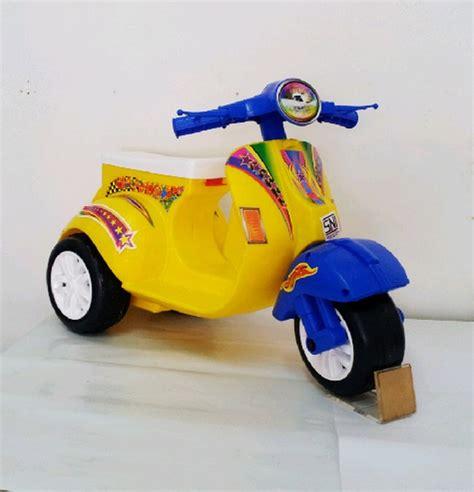 Mainan Anak Motor Aki Unikid Mb106 Motor Vespa Glam harga mainan motor vespa dhian toys