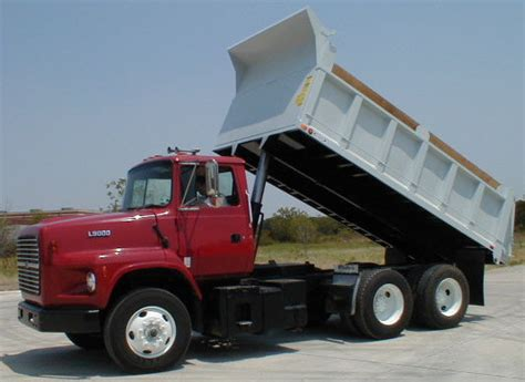 What are the auto insurance requirements for dump trucks?
