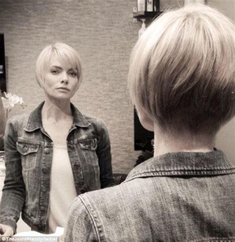 bobs on locked hair jaime pressly chops her bob even shorter and styles her