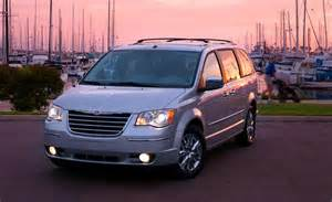 2009 Chrysler Town And Country Car And Driver