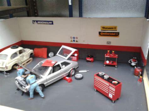 decoracion taller mecanico diorama wiyi taller mecanico 1 18 nuevo coche en el