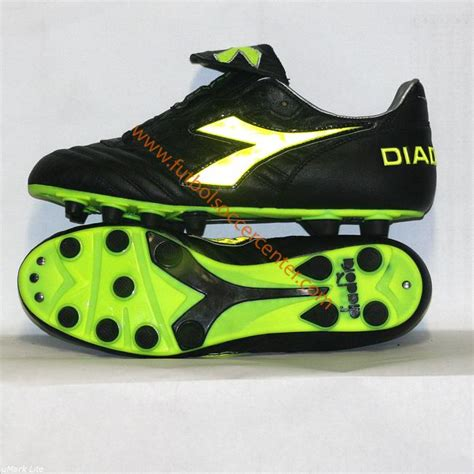 italian football tennis running shoes and clothing manufacturer diadora shoes