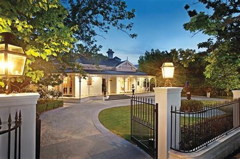 horseshoe house plans house plans with horseshoe driveway joy studio design gallery best design
