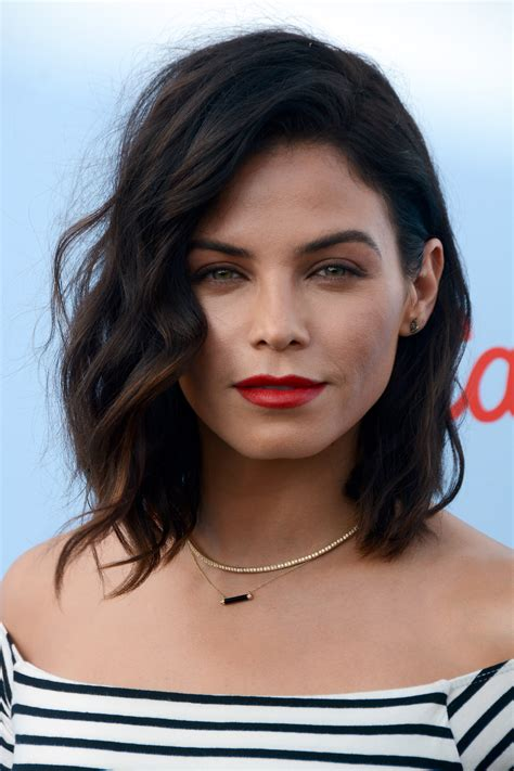 how to style jenna dewans short hair jenna dewan tatum debuts fringed bangs stylecaster