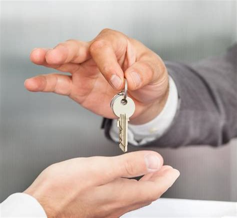 who should pay closing cost when buying a house what are closing costs