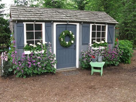 Repainting A Shed by Best 20 Cottage Garden Sheds Ideas On