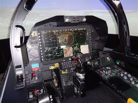 L'ombre du F15 Silent Eagle plane sur Singapour - Aerobuzz ... F 15 Cockpit