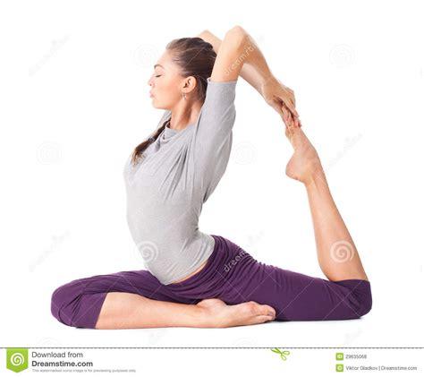 imagenes de yoga para uno jovem mulher que faz o asana eka pada rajakapotasana da