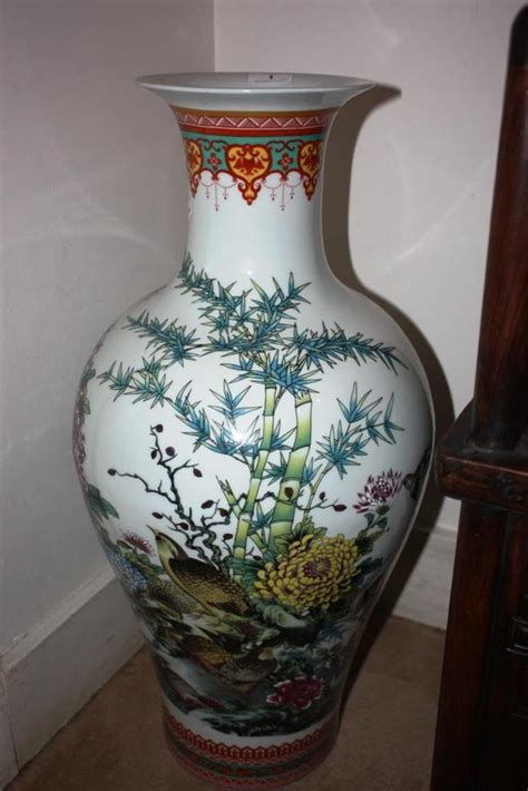 Floor Vase With Flowers by Large Floor Vase Decorated With Birds Flowers And