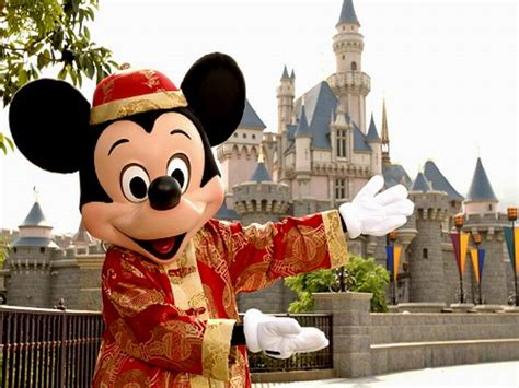 disneyland s mickeys a field guide to disneyland resort s best kept secrets books 2 days hong kong tour with disneyland