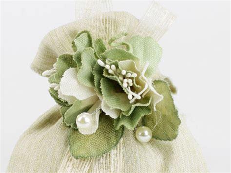 fiori bomboniere on line fiori applicazioni per sacchettini portaconfetti margot