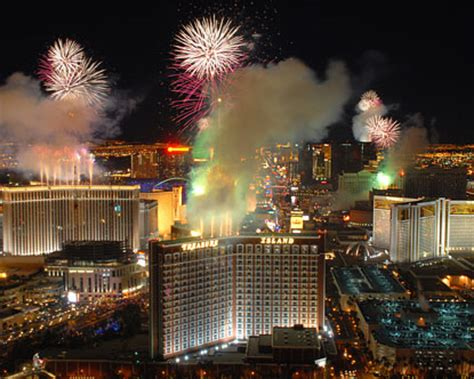 new years travel deals new years las vegas vacation packages vegas new years