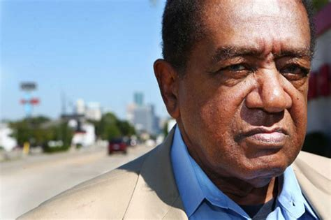 bobby seale visits harlems schomburg center  york