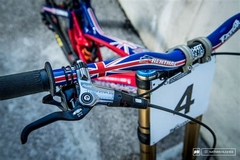 Kaos Custom Defender 1 bikes of the best val di sole dh world chs 2016