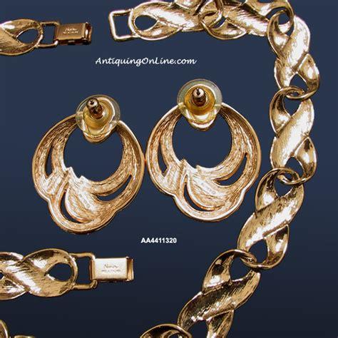 Vintage Napier Jewelry Necklace, Bracelet, Earrings