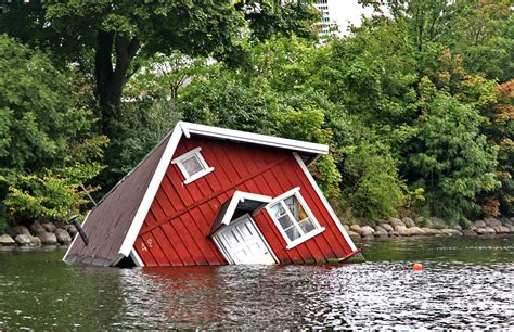 buying a house on a floodplain the 4 most commonly asked questions about flood insurance commonwealth insurance