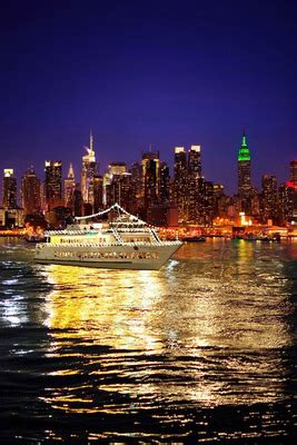 gay boat cruise nyc circle line sightseeing and world yacht at pier 81 the