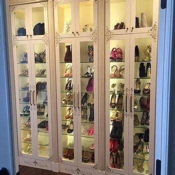 Custom Shoe Shelves Design Ideas