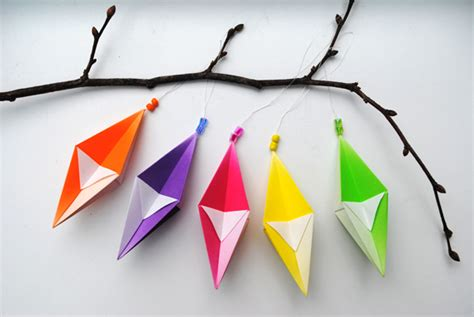 Folded Paper Decorations - paper tree ornaments crafty lifestyle