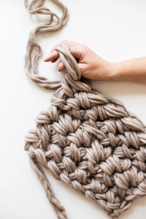 how to finger knit a blanket 25 best ideas about blankets on