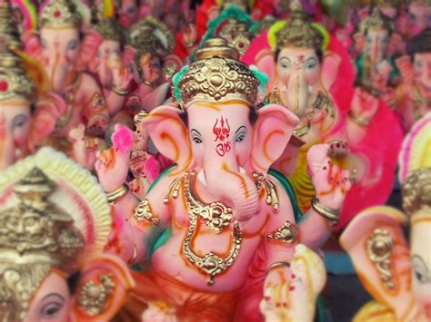 behind the scenes statues for ganesh chaturthi hindu