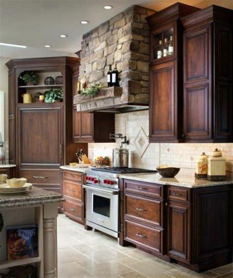 la cuisine fran軋ise meubles meuble cuisine bois massif trendy meuble cuisine bois