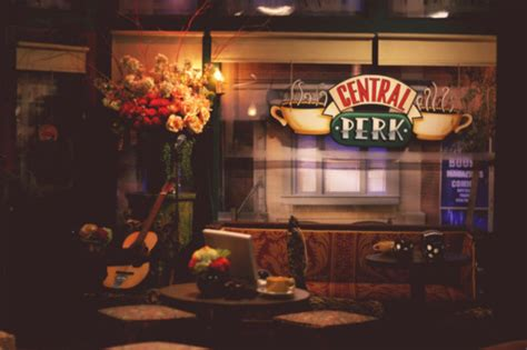 Friends Interior by Central Perk Coffee Flowers Friends Interior Image 182019 On Favim
