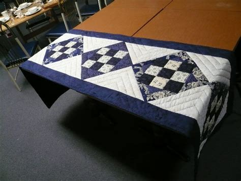 bed runner patterns 24 best quilts bed runners images on pinterest quilt