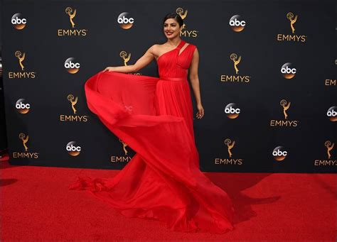 Ryco Handcrafts - priyanka chopra slays the carpet at emmys