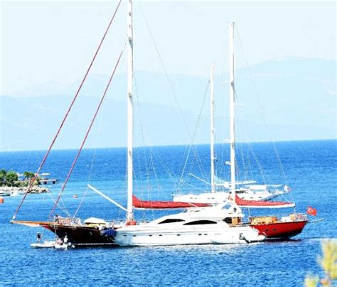 tekne forum cennet koy da tekne yoğunluğu zor anlar yaşattı hava
