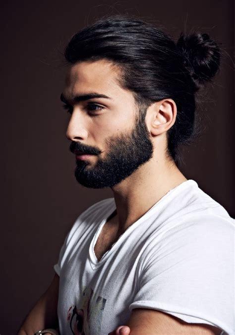 man bun technique cheveux longs et barbe eye candy pinterest boys