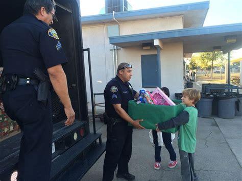 phil swing school brawley j w oakley elementary school students collect toys for