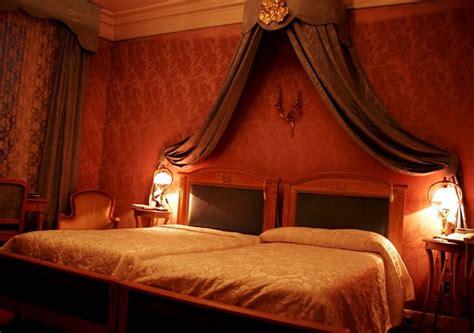 beautiful cottage interior design romantic bedroom