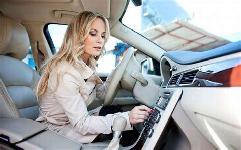 Mendengarkan Musik Di Mobil Membuat Perjalanan Mudik Lebih | mendengarkan musik di mobil membuat perjalanan mudik lebih