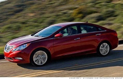 hyundai sonata airbag recall hyundai recalls 220 000 vehicles for airbags jul 30 2012