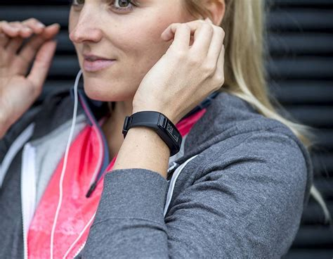 restart vivosmart hr get more from your fitness regime with this activity tracker